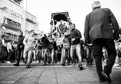 La festa di San Cono (Massilo) Tags: blackandwhite monocromo sicily catania sicilia biancoenero folla sancono viviasancono