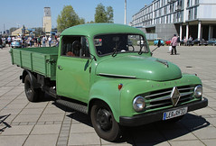 Small but bigger than a Goli (The Rubberbandman) Tags: world auto old green classic beauty truck work vintage germany outdoor transport over engine meeting goods lorry german transportation vehicle bremen 1500 freight motorshow fahrzeug flatbed borgward laster vintahe b1500