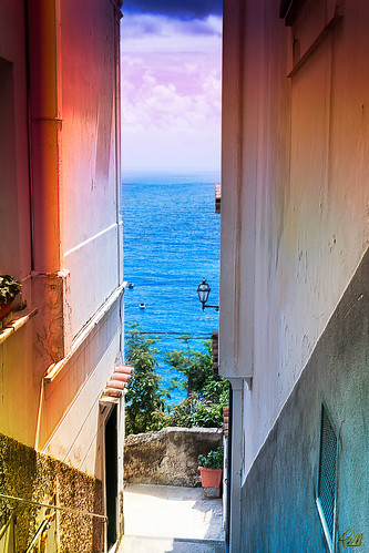 Positano - Alley with sea view