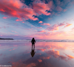 My clouds and me (IrreBerenT) Tags: longexposure sunset sea seascape beach nature colors clouds sunrise landscape autorretrato cloudscape selfie sanvicentedelabarquera pinck oyambre parquenaturaldeoyambre irreberentenataliaaguado