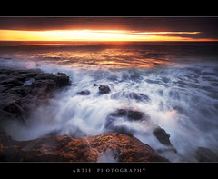 Well, Its Just Another Sunset, Non-HDR Seascape Shot :: 0.9H + 0.9S GND Lee Filters (:: Artie | Photography :: Travel ~ Oct) Tags: sunset sea seascape motion beach water photoshop canon landscapes movement rocks soft tripod hard wave australia wideangle filter 09 lee adelaide filters southaustralia ef 1740mm artie cs3 fleurieupeninsula aldinga f4l gnd nohdr lee09gnd leefilter 09h 5dmarkii 5dm2 09s