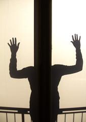 Headless Silhouette (C_MC_FL) Tags: door light shadow woman silhouette female canon person photography eos licht hands fotografie fav20 shadowplay frau tamron schatten tr hnde umris schattenspiel fav10 kontur 18270 60d b008 schattenumris