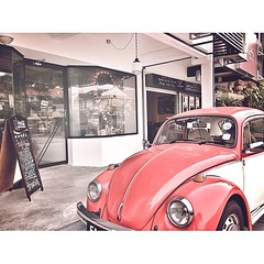 (.  .) Tags: vintage phonecam square beetle saturday squareformat normal chill iphoneography instagramapp uploaded:by=instagram iphone4s