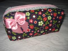 Necessaire (Fabiana Lopes FEITO A MO) Tags: de pano lingerie porta patchwork avental prato po cobre lanche sapato chinelo tecido necessaire cestinha