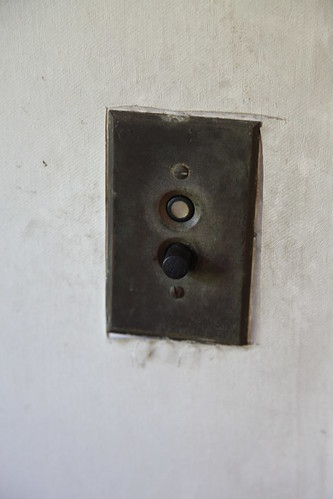 Early 20th century push button light switch