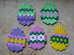 Easter Eggs (petuniad) Tags: beads hama perler prlplattor hamabeads perlerbeads strijkkralen bgelperlen buegelperlen