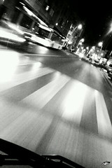 Desencuentros... (elojeador) Tags: luz faro noche farola carretera almera autobs parabrisas pasodepeatones limpiaparabrisas pasocebra elojeador carreteraderonda bynse