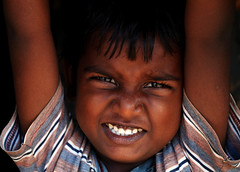 The Kid (bmahesh) Tags: boy portrait people india colors smile canon kid child streetphotography streetportrait canon5d mahesh tamilnadu cwc thiruvanmiyur kottivakkam canoneos5dmarkii chennaiweekendclickers bmahesh cwc139b
