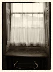 Escriptori de Charles Dickens (Txala) Tags: london window museu finestra londres ep2 charlesdickens olympuspenep2 mzuikodigital1442mm13556ii