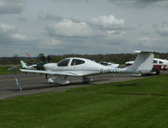DIAMOND DA 40 D DIAMOND STAR G-OCCU (BIKEPILOT, Thx for + 6,000,000 views) Tags: flying airport aircraft aviation airfield elstree egtr diamondda40ddiamondstar goccu