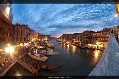 Rialto (5 Minutes Away) Tags: travel blue sunset vacation italy art beautiful fun high amazing interesting italia artistic 5 unique quality awesome great away divine explore international exotic stunning unusual charming foreign venezia rialto minutes blaue interessant stunde spektakulr 5minutesaway