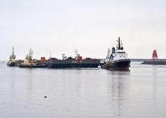 Castoro XI+Marzamemi Tyne 280414 (silvermop) Tags: sea port river boat ship ships tyne tug barge marzamemi towing