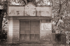 (t_mimizuk) Tags: leica old blackandwhite bw house abandoned film monochrome japan voigtlander yamanashi uenohara yuzurihara