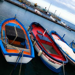Kind of blue (koi_no_yokan1) Tags: barche siciliabedda