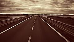Per strada.. (paolotrapella) Tags: strada rue linea