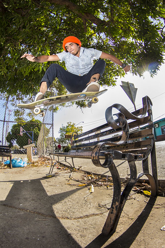 Ollie over the bench // Emir Caballero