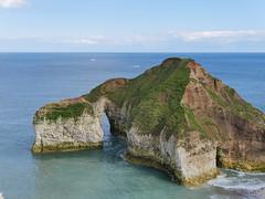 Flamborough-Head_P1050091 (HJSP82) Tags: sea rock arch stack shore headland flamboroughhead 20160620flamborough