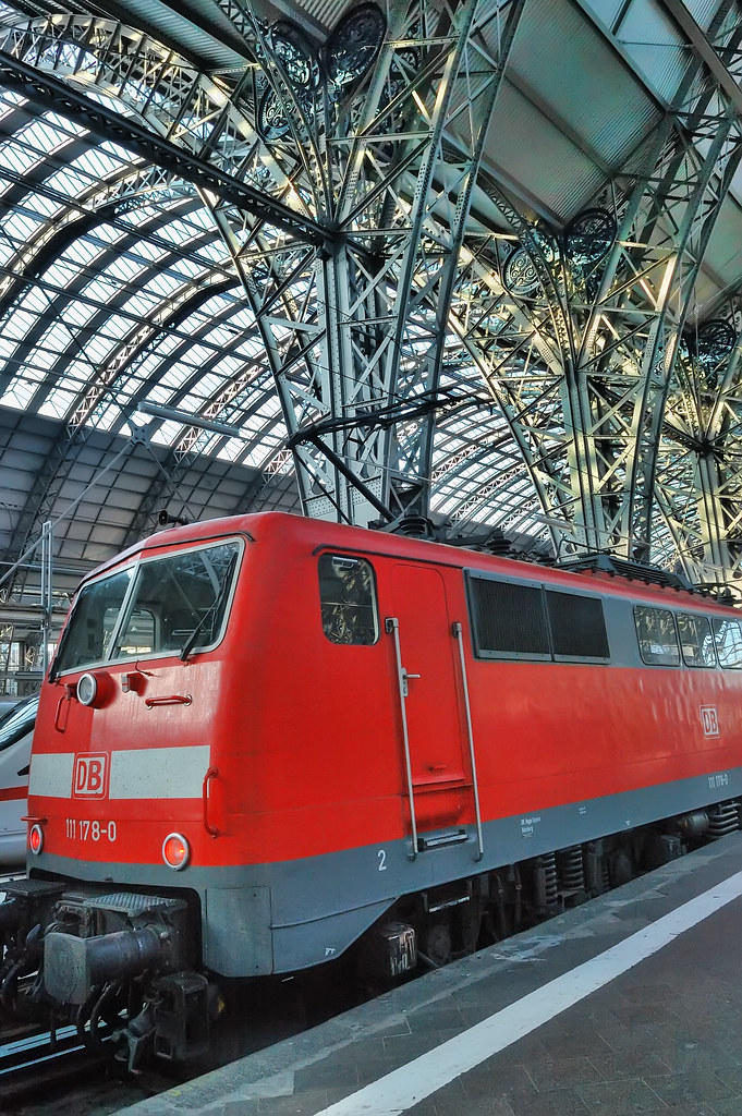 A red train in Frankfurt Central Station