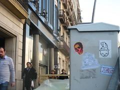 IMG_8217 (FLATTIRON / ISCE) Tags: barcelona street art arte bcn stickers urbano niko pegatinas jams urba raval combos gotic barri flattiron