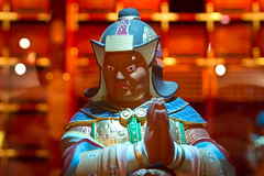 Buddha Tooth Relic & Museum, Singapore (john.gillespie) Tags: people woman man statue temple person singapore worship meditate peace buddhist prayer chinese divine holy meditation buddhatoothrelicmuseum