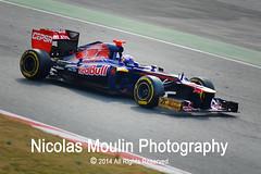 F1 2012: Daniel Ricciardo (Toro Rosso) (Nicolas Moulin (Nimou)) Tags: barcelona cars del 1 daniel grand f1 prix formula gran motor asfalto rosso mundo toro coches gp poleposition 2012 volante montmelo circuito premio tiempo curvas equipos pilotos barrido campeón formule acelerador cronos freno pistas competición monoplaza pilotar pilotaje ricciardo str7