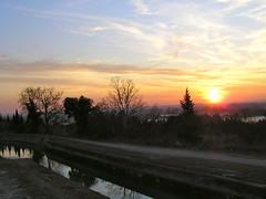 Coucher de soleil sur le canal de Carpentras - Pernes-les-Fontaines - Vaucluse - Provence-Alpes-Cte-d'Azur - France (vanaspati1) Tags: france de soleil canal coucher le provence vaucluse carpentras perneslesfontaines provencealpesctedazur