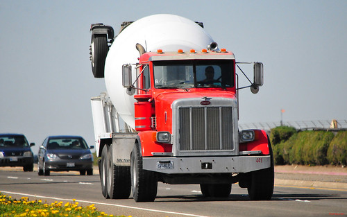 Peterbilt-McNeilus Bridgemaster mixer (empty) --- Huntington