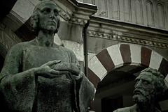 Maestro e discepolo (rephian) Tags: cemetery statue last dinner bread jesus pane cena ultima cimitero monumentale scultura gesù castiglioni giannino