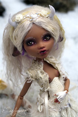 Little Snow Deer (candygears) Tags: white gold lace fashiondoll hooves whitedeer littledeer deerdoll clawdeen candygears fashiondollrepaint monsterhigh clawdeenwolf monsterhighcustom monsterhighrepaint monsterhighart monsterhighconcept