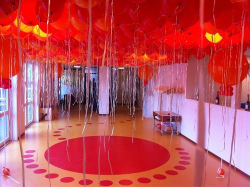Heliumballonnen Ballonnenplafond Kinderdagverblijf De Kinderkoepel Hellevoetsluis