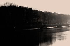 Avanza la noche (Ikuspuntuak) Tags: urban luz negro ciudad bilbao sueños contraste soledad dormir juanjo sombras niebla bilbo virado despertar hiria sug3a ibiltzen kaletikibiltzen ikuspuntuak