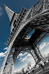 Diagonale (Michel Couprie) Tags: paris classic monument tour angle mesh pov steel eiffeltower eiffel diagonal selectivecolor