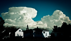 Looming (Boreal Bird) Tags: looming yikes hss supercell explorefrontpage sliderssunday