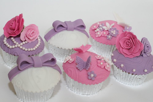 blooms, bows and butterflies cupcakes