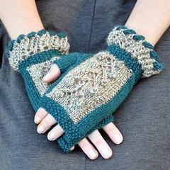 Victorian fingerless gloves (Kiwi Little Things) Tags: ruffles knit bobbles fingerlessgloves twistedruffle