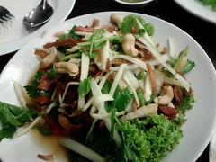 Tripple Crisp & Spicy Seafood Salad @ เจ๊นุ้ยซีฟู้ด