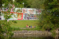 summer in the city (Wolfgang Binder) Tags: vienna wien city water wall river canal nikon picnic waterfront graffity guesswherevienna guessedvienna d7000
