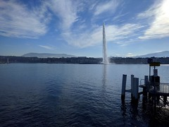 Jet d'eau Geneva (justinvandyke) Tags: lake fountain switzerland europe geneva jetdeau lakegeneva laclman