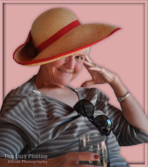 May 23 2016 - Glenna looking great in red (lazy_photog) Tags: sisters photography no hats lazy wife mad elliott photog hatters 052316melglennaruthandhats
