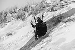 IMG_9198 (Laurent Merle) Tags: beach fly outdoor dune cte vol paragliding soaring ozone plage parapente atlantique ocan glisse littlecloud spiruline