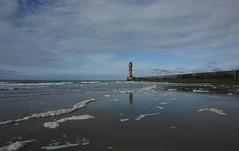 (jptaverne) Tags: lighthouse noordzee northsea plage phare jete merdunord
