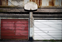 (177/366) Zen Games (CarusoPhoto) Tags: zen game games lines shape squares rectangles garage door doors garages maroon white basketball backboard john caruso carusophoto project 365 366 photo day chicago ravenswood neighborhood pentax ks2 hd pentaxda l 1850mm f456 dc wr re hdpentaxdal1850mmf456dcwrre banal mundane street ordinary everyday alley urban city