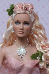 Blushing Queen (Isabelle from Paris) Tags: tonner blushing queen shauna doll jewelry ooak isabelleparisjewels