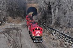 Tunnel Time (The Mastadon) Tags: road railroad minnesota train sand cities minneapolis twin rail trains commercial transportation ge gopher mn minn sf30c 392012
