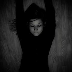 e.d.l.b.e.l.a (  Pounkie  ) Tags: portrait bw woman selfportrait me girl autoportrait sleep femme moi squareformat eyesclosed dormir repos noirblanc yeuxferms  formatcarr pounkie carrfranais dfiself edlbela