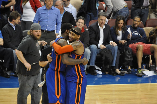 Amare Stoudemire Hugging CARMELO ANTHONY