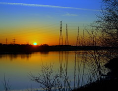 Night Blue in Preston (Tony Worrall Foto) Tags: uk blue sunset sun english beauty lines electric marina docks river season gold golden evening photo nice glow view northwest image dusk stock lancashire gb preston lovely sunlit pylons settingsun ribble riversway prestonian 2012tonyworrall ashtononrible