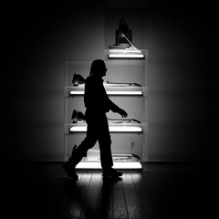 My Friend Clearlight Walks Past Some Jeff Koons, Plate 2 (Thomas Hawk) Tags: california bw usa silhouette museum losangeles unitedstates 10 unitedstatesofamerica fav20 fav30 lacma koons jeffkoons losangelescountymuseumofart fav10 fav25 clearlight superfave marcevans newhooverdeluxeshampoopolishers clearlight1971 newsheltonwetdry5gallondisplacedquadradecker