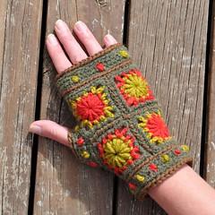Mini Wheels of Fortune Mittens (Kiwi Little Things) Tags: handmade crochet mittens grannysquare