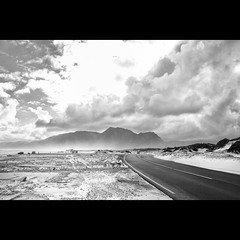 On the road - #140 (Marckovitch) Tags: blackandwhite bw blancoynegro landscape southafrica noiretblanc du canonef35mmf2 paysage ontheroad nomansland sud afrique inthemiddleofnowhere afriquedusud canoneos5dmarkii canoneos5dmark2 silverefexpro2